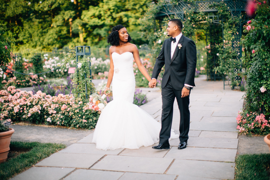 Amanda + Darnell // New York Botanical Garden, Stone Mill Wedding » Lauren  Allmond Photography